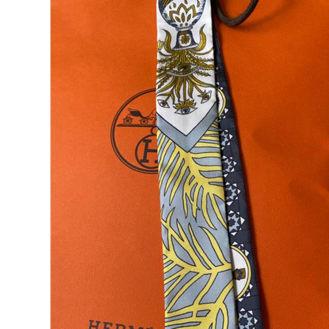 Hermes(エルメス)の新品未使用!エルメス 新作ツイリー レディースのファッション小物(バンダナ/スカーフ)の商品写真