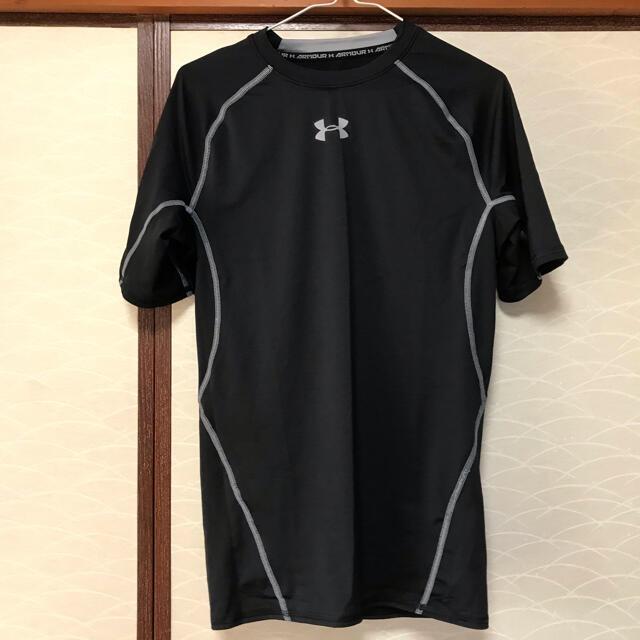UNDER ARMOUR(アンダーアーマー)の送料込【1度使用】1枚 UNDER ARMOUR ヒートギア 丸首 半袖  メンズのトップス(Tシャツ/カットソー(半袖/袖なし))の商品写真