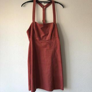 アーバンアウトフィッターズ(Urban Outfitters)のジャンパースカート(ひざ丈ワンピース)