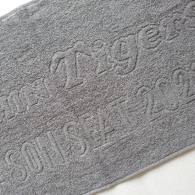 2021 甲子園 年間シートノベルティ 阪神タイガース タオル スポーツ/アウトドアの野球(記念品/関連グッズ)の商品写真