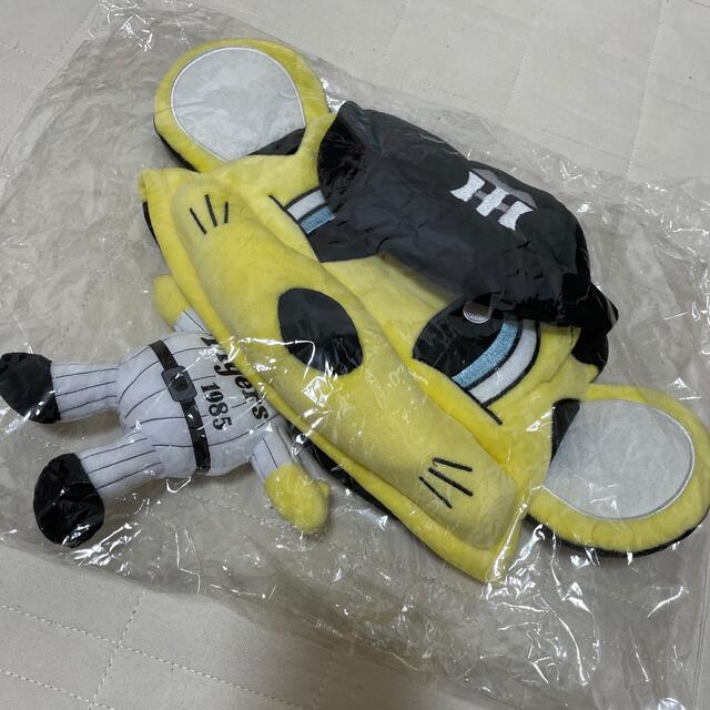 阪神タイガース(ハンシンタイガース)の阪神タイガーストラッキー帽子 スポーツ/アウトドアの野球(応援グッズ)の商品写真
