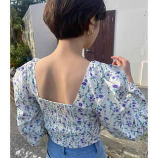 snidel - 【新品未使用】bibiy flower square neck blouse