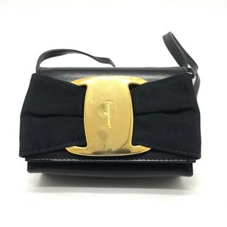 Salvatore Ferragamo - サルヴァトーレフェラガモ AQ216164 ヴァラ ショルダーバッグ 黒×金