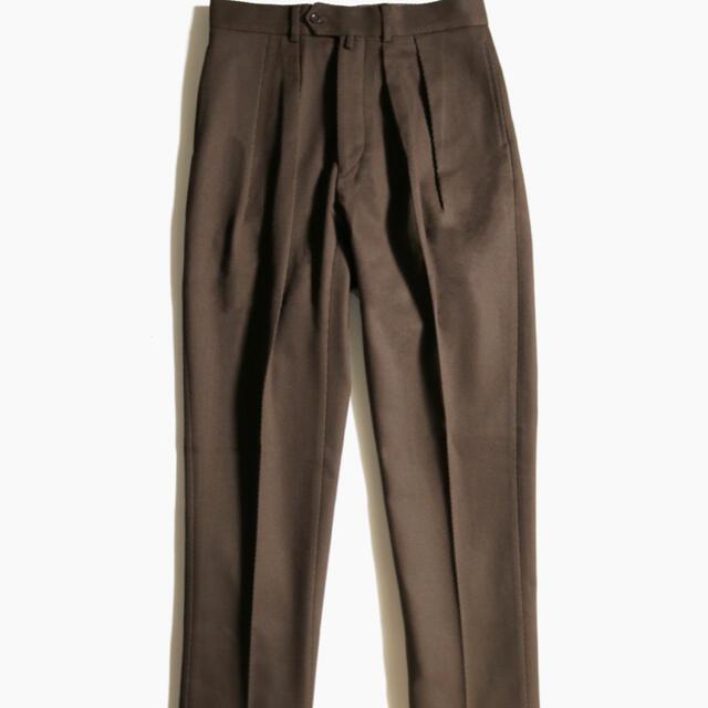 COMOLI(コモリ)のNEAT ニート コットンカルゼテーパード 44 ブラウン メンズのパンツ(スラックス)の商品写真