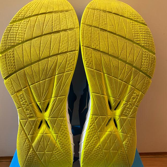 ホカオネオネ カーボンx2 スポーツ/アウトドアのランニング(シューズ)の商品写真