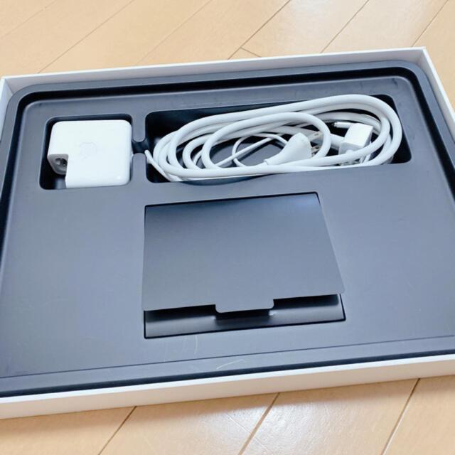 Apple(アップル)のMacBook Air メモリ8GB/SSD256GB スマホ/家電/カメラのPC/タブレット(ノートPC)の商品写真