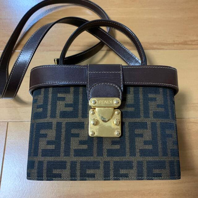 FENDI(フェンディ)のフェンディ ズッカ バック レディースのバッグ(ショルダーバッグ)の商品写真