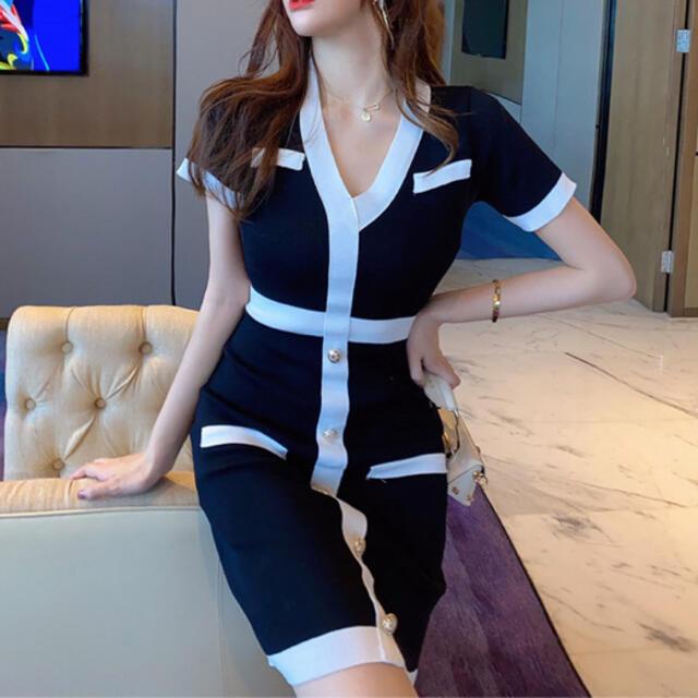 Andy(アンディ)のバイカラーVネック膝丈ワンピース(ブラック) レディースのフォーマル/ドレス(ナイトドレス)の商品写真