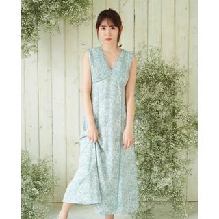 【新品】Herlipto Lace Trimmed Floral Dress