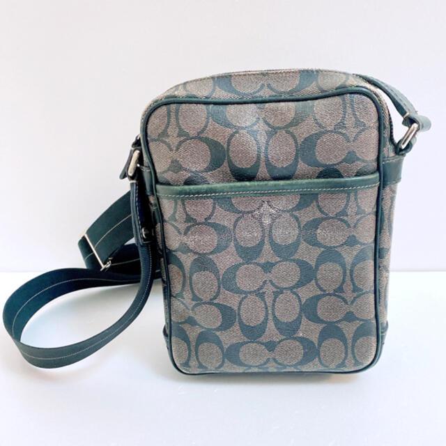 COACH(コーチ)のCOACH コーチ シグネチャー ショルダーバッグ 斜め掛け 黒 PVC レザー メンズのバッグ(ショルダーバッグ)の商品写真