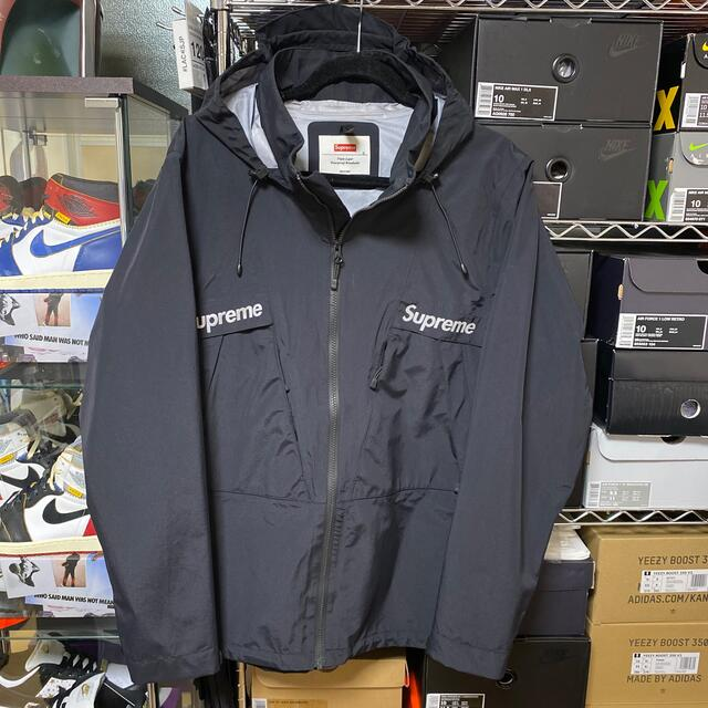 Supreme(シュプリーム)のシュプリーム ナイロンジャケット メンズのジャケット/アウター(ナイロンジャケット)の商品写真