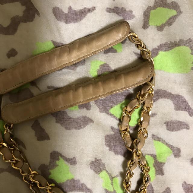 CHANEL(シャネル)の正規品  シャネル  ショルダーバッグ  ベージュ系お色 レディースのバッグ(ショルダーバッグ)の商品写真