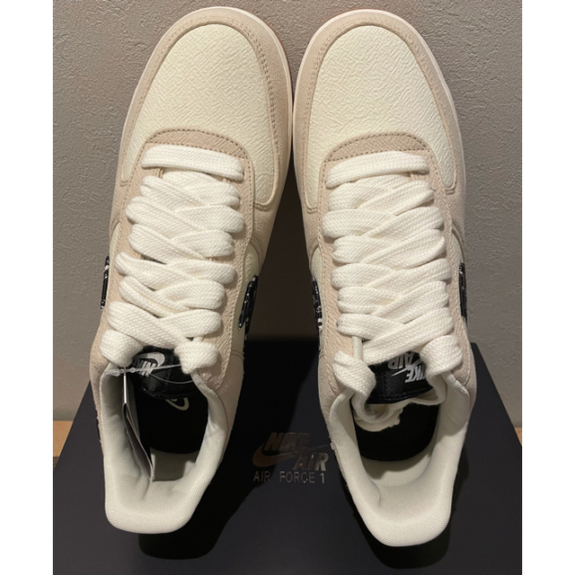 NIKE(ナイキ)のNIKE AIR FORCE 1 '07 LV8 ペイズリー エアフォース メンズの靴/シューズ(スニーカー)の商品写真