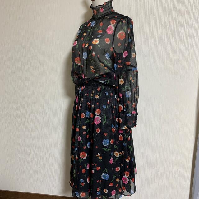 Lily Brown(リリーブラウン)のお値下げ。スカート新品。2万以上リリーブラウン  花柄のブラウス・スカートセット レディースのレディース その他(セット/コーデ)の商品写真