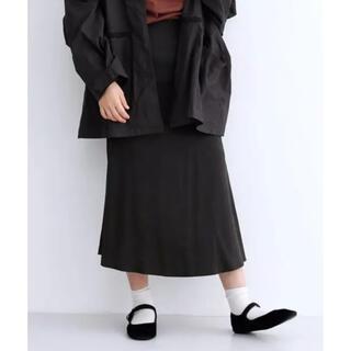 メルロー(merlot)のmerlot サテンマーメイドラインスカート  ブラック(ロングスカート)