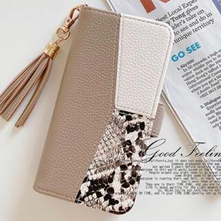 ◆人気のパイソン柄◆ iPhoneケース おしゃれ  かわいい 手帳型 ブラウン