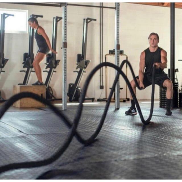 バトルロープ  トレーニングロープ 筋トレ 格闘技 クロスフィット EMS スポーツ/アウトドアのトレーニング/エクササイズ(トレーニング用品)の商品写真