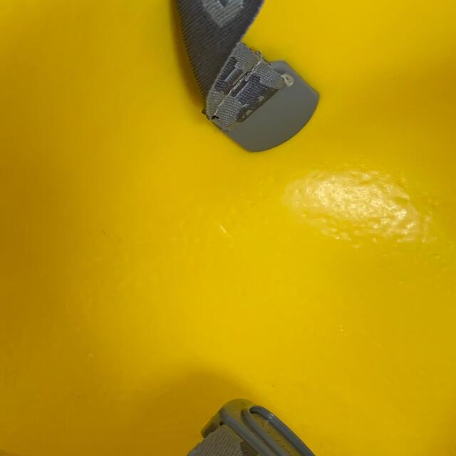 Bumbo(バンボ)のバンボ イエロー ベルト付き キッズ/ベビー/マタニティの授乳/お食事用品(その他)の商品写真