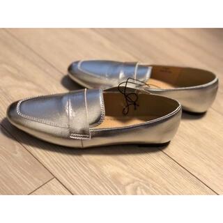ジーユー(GU)の新品未使用 シルバーローファー Sサイズ(ローファー/革靴)