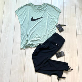NIKE - 新品 NIKE トレーニング トップス Tシャツ レギンス 上下セット