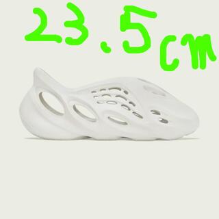 アディダス(adidas)のイージーフォームランナー サンド(スニーカー)