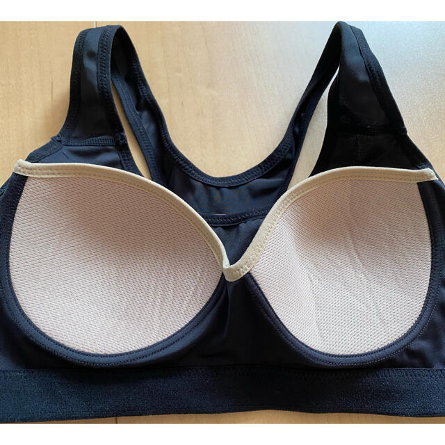 UNDER ARMOUR(アンダーアーマー)のスポーツブラ ヨガウェア ブラトップ アンダーアーマー スポーツ/アウトドアのトレーニング/エクササイズ(トレーニング用品)の商品写真