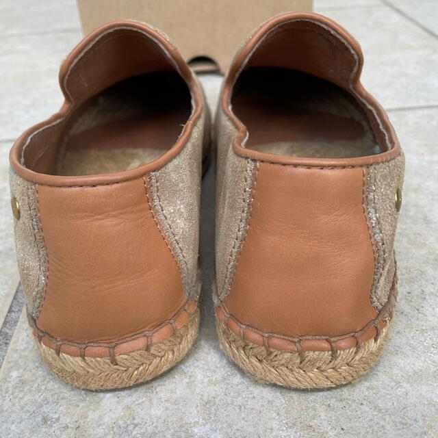 UGG(アグ)のUGG ゴールド シューズ  レディースの靴/シューズ(バレエシューズ)の商品写真