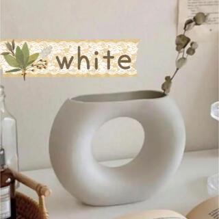 【4月限定特価】ドーナツ型花瓶 北欧雑貨 一輪挿し インテリア(ホワイト)
