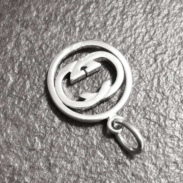 Gucci(グッチ)の正規品 グッチ ペンダント トップ シルバー 丸 SV925 銀 ネックレス レディースのアクセサリー(ネックレス)の商品写真