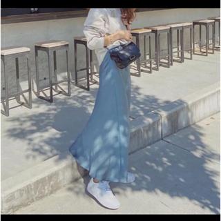 Mila Owen - ミラオーウェン サテンロングスカート テールサテンスカート  サテン ブルー
