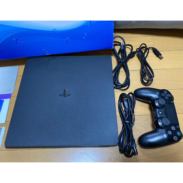 PlayStation4(プレイステーション4)のPlayStation4 エンタメ/ホビーのゲームソフト/ゲーム機本体(家庭用ゲーム機本体)の商品写真