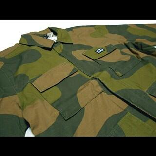 オベイ(OBEY)のOBEY ジャケット カモ RiseUp BDU Jacket CAMO オベイ(ミリタリージャケット)