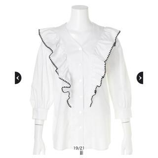 JUSGLITTY - 6部袖刺繍ラッフルブラウス