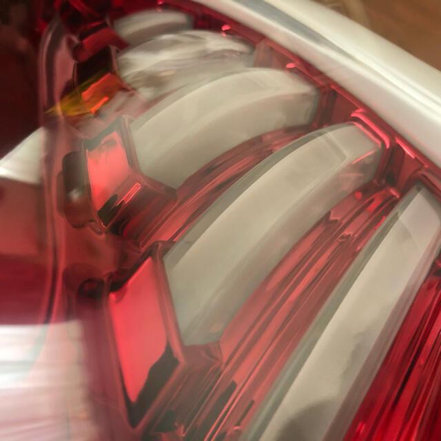 VARENTINE(ヴァレンティーン)のセット販売 プリウスα  ヴァレンティ テールランプ ハイマウントストップランプ 自動車/バイクの自動車(車種別パーツ)の商品写真