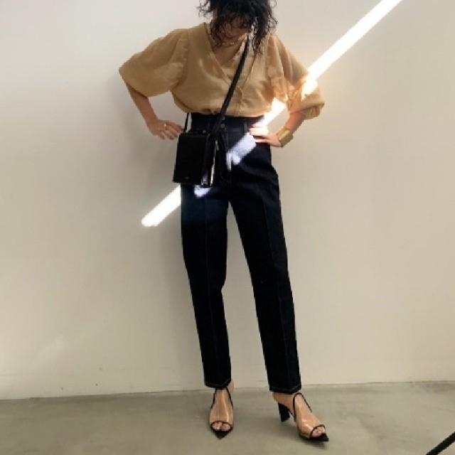 Ameri VINTAGE(アメリヴィンテージ)のHIGH WAIST TAPERED DENIM アメリヴィンテージ レディースのパンツ(デニム/ジーンズ)の商品写真