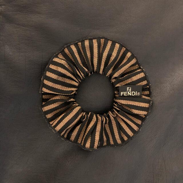 FENDI(フェンディ)のFENDI シュシュ レディースのヘアアクセサリー(ヘアゴム/シュシュ)の商品写真