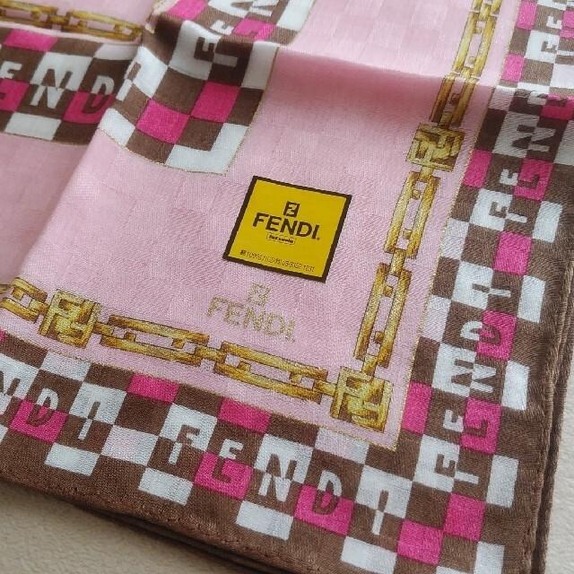 FENDI(フェンディ)の新品未使用 FENDIハンカチ レディースのファッション小物(ハンカチ)の商品写真