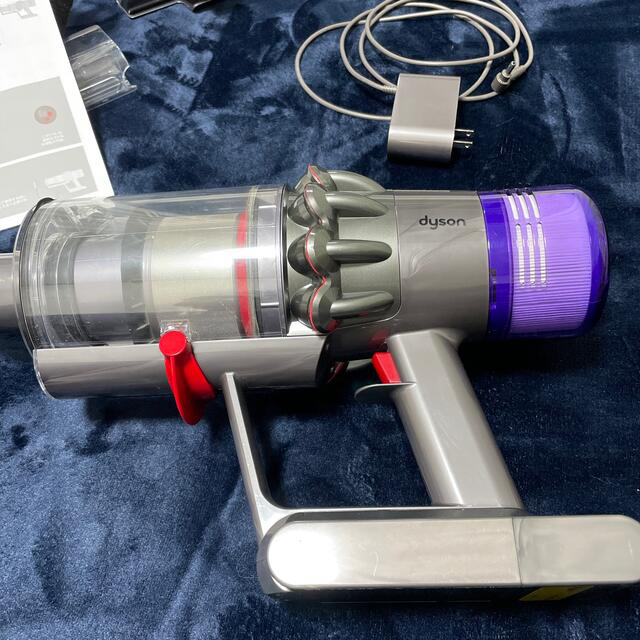 Dyson(ダイソン)のDyson V11 fluffy スマホ/家電/カメラの生活家電(掃除機)の商品写真