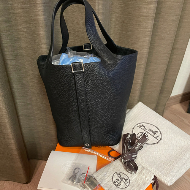 Hermes(エルメス)の最終値下げ★新品未使用★エルメス ピコタンロックpm ノワール×シルバー レディースのバッグ(ハンドバッグ)の商品写真