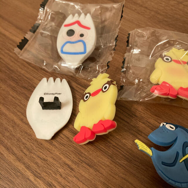 Disney(ディズニー)の新品 チョコエッグ ペンアクセサリー エンタメ/ホビーのおもちゃ/ぬいぐるみ(キャラクターグッズ)の商品写真
