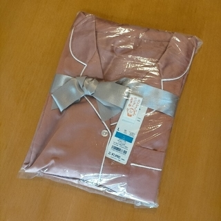 GU - GU サテンパジャマ 長袖 上下セット