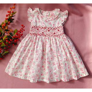 新作 ホワイトベース ピンク 小花柄 フリル 手刺繍 スモッキング ワンピース(ワンピース)