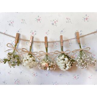 パステルサーモンピンクのバラとかすみ草とユーカリのドライフラワーガーランド♡