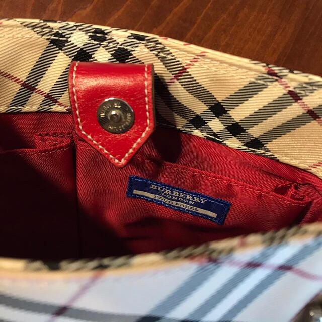 BURBERRY BLUE LABEL(バーバリーブルーレーベル)のバ一バリ一ブル一レ一ベル チェック柄ハンドバッグ ベージュ系×レッド レディースのバッグ(クラッチバッグ)の商品写真