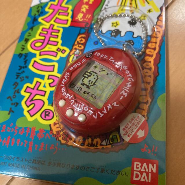 BANDAI(バンダイ)のたまごっち 2色セット エンタメ/ホビーのゲームソフト/ゲーム機本体(携帯用ゲーム機本体)の商品写真