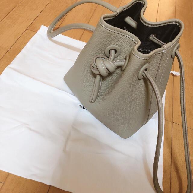 新品♥️VASIC好きに ハンドバッグ レディースのバッグ(ハンドバッグ)の商品写真