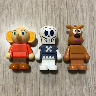 アンパンマン - ブロックラボ 人形 ブロックラボスイング アンパンマン  ガチャガチャ