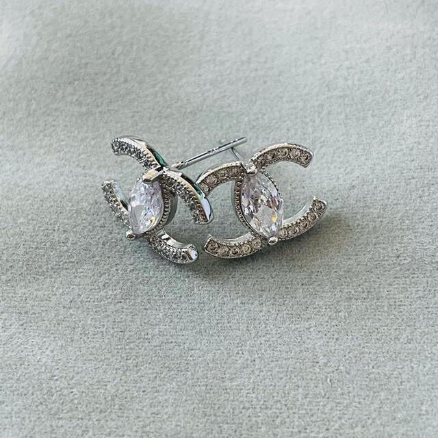 CHANEL(シャネル)のCHANEL pierce silver 0009 レディースのアクセサリー(ピアス)の商品写真