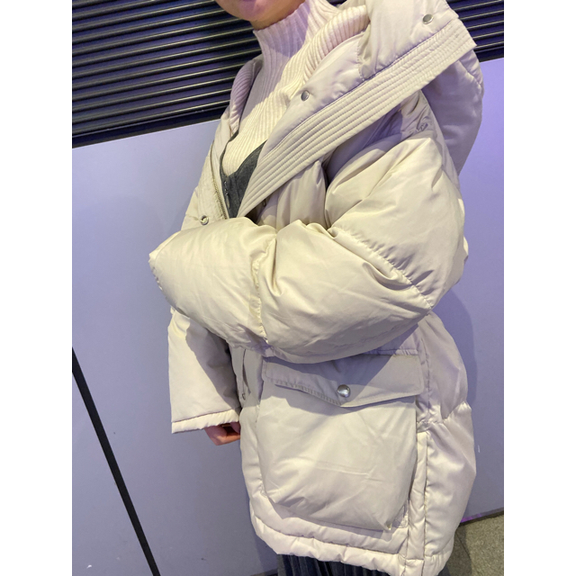 snidel(スナイデル)のSNIDEL ウエストマークミドルダウンジャケット レディースのジャケット/アウター(ダウンジャケット)の商品写真