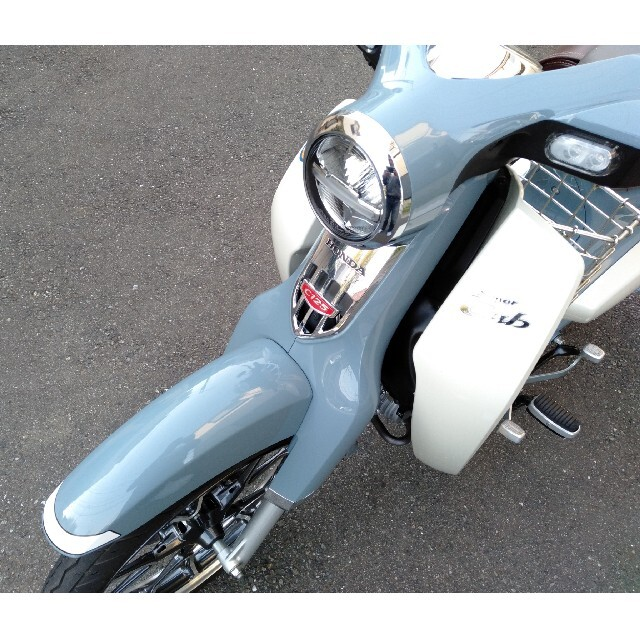 ホンダ(ホンダ)のカブ125 c125 人気色 自動車/バイクのバイク(車体)の商品写真